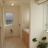 注文住宅 かっこいい工務店 オーダーメイド ミューズ建築工房 施工例2 二世帯 パウダールーム 造作洗面