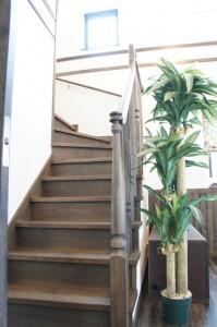 注文住宅 かっこいい工務店 輸入住宅 富樫工業 トガシホーム 完成見学会 イタリアネイト・ルチア 2階階段