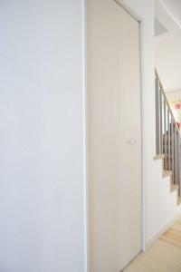 注文住宅 かっこいい工務店 ハウスデザイン イエプラン 栃木県宇都宮市江曽島 モデルハウスオープン 階段下収納1