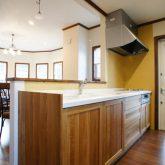 注文住宅 かっこいい工務店 静岡 輸入住宅 施工例11 コッツウォルズ オープンキッチン 木製 造作キッチン