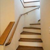 注文住宅 かっこいい工務店 栃木 イエプラン建築事務所 自由設計 施工例14 北米 ブルックリンスタイル 木製階段