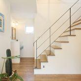 注文住宅 かっこいい工務店 岡山 アイム・コラボレーション アイムの家 施工例10 開放感のある家 階段 アイアン手摺