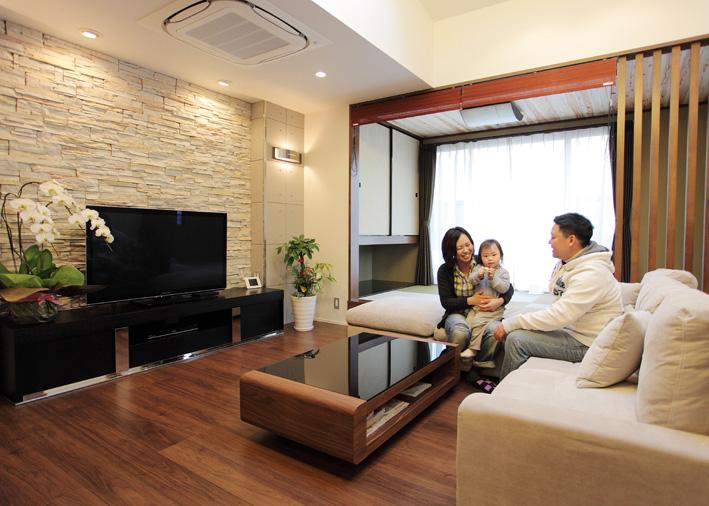 注文住宅 かっこいい工務店 岡山 アイム・コラボレーション アイムの家 施工例7 収納が豊富、動線に配慮した家 リビング