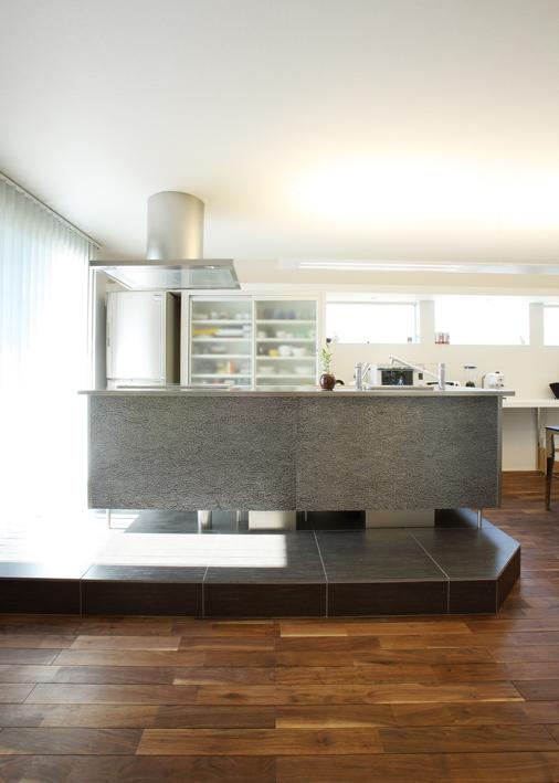 注文住宅 かっこいい工務店 岡山 アイム・コラボレーション アイムの家 施工例8 キッチンを空間のメインステージに キッチン