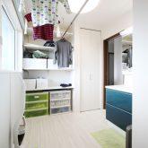 注文住宅 かっこいい工務店 岡山 アイム・コラボレーション アイムの家 施工例12 家事動線の良さと子育てのしやすさを考えた、ご家族が笑顔になる住まい 洗面脱衣所 物干しスペース