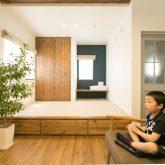 注文住宅 かっこいい工務店 熊本 ブレス ブレスホーム 施工例 28 ゼロエネルギー住宅 耐震等級3 シンプルモダン 木の温もりとインダストリアル融合 リビング 小上がりの和室