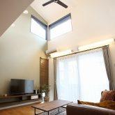 注文住宅 かっこいい工務店 岡山 アイム・コラボレーション アイムの家 施工例15 ゼロエネルギー住宅 吹き抜け リビング