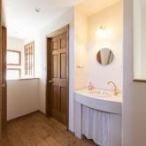 注文住宅 かっこいい工務店 不動産プラザ 施工例8i 2階ホール 洗面化粧台