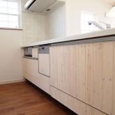 注文住宅 かっこいい工務店 福井建設の家 施工例5j キッチン造作扉