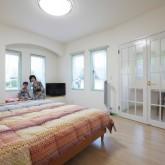 注文住宅 かっこいい工務店 輸入住宅 ブレス 施工例5 プロヴァンススタイル 寝室 ベッドルーム