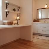 注文住宅 かっこいい工務店 オーダーメイド ミューズ建築工房 施工例1 パウダールーム 造作棚 造作洗面