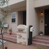 注文住宅 かっこいい工務店 オーダーメイド ミューズ建築工房 施工例2 二世帯 アプローチ エントランス