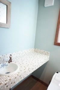 注文住宅のかっこいい工務店 Ie-Plan イエプラン モデルハウス 南仏スタイル トイレ 造作洗面