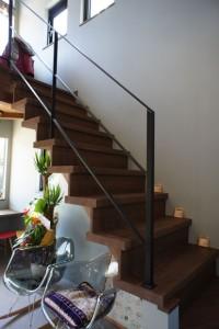 注文住宅 かっこいい工務店 規格住宅 ブレスホーム カフェ完成見学会 階段