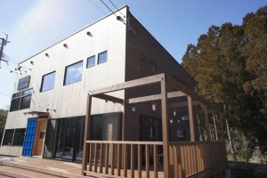 注文住宅 かっこいい工務店 規格住宅 ブレスホーム カフェ完成見学会 ウッドデッキ