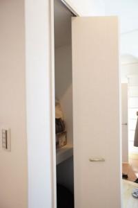 注文住宅 かっこいい工務店 ハウスデザイン イエプラン 栃木県宇都宮市江曽島 モデルハウスオープン 階段下収納2