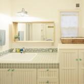 住宅 古川工務店 施工例15 プロヴァンススタイル 造作洗面 造作キャビネット