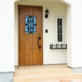 注文住宅 かっこいい工務店 宮城 輸入住宅 施行例 21 プロヴァンス 南仏スタイル 玄関アプローチ