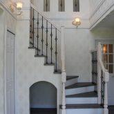 注文住宅 かっこいい工務店 宮城 富樫工業 施工例 36 ブリック 吹き抜け 玄関ホール 螺旋階段