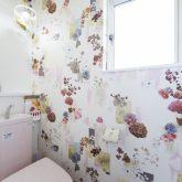 注文住宅 かっこいい工務店 熊本 ブレス ブレスホーム 施行例24 プロヴァンス トイレ デザインクロス
