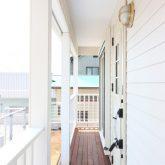 注文住宅 かっこいい工務店 東京 輸入住宅 ジェイプラン 施工例11 カリフォルニアスタイル サーファーズハウス ラップサイディング カバードポーチ