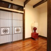 注文住宅 かっこいい工務店 熊本 ブレス ブレスホーム 施工例27 和風建築 平屋 玄関ホール 家紋入り 引き戸
