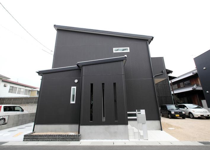 注文住宅 かっこいい工務店 岡山 アイム・コラボレーション アイムの家 施工例5 階段ホールが家の中心で回遊できる動線 外観