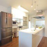 注文住宅 かっこいい工務店 岡山 アイム・コラボレーション アイムの家 施工例7 収納が豊富、動線に配慮した家 オープンキッチン