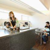 注文住宅 かっこいい工務店 岡山 アイム・コラボレーション アイムの家 施工例8 キッチンを空間のメインステージに キッチン&ダイニング