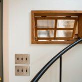 注文住宅 かっこいい工務店 福井建設の家 施工例13 南欧スタイル 螺旋階段のある男前インテリアハウス なか窓 内窓