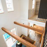 注文住宅 かっこいい工務店 福井建設の家 施工例13 南欧スタイル 螺旋階段のある男前インテリアハウス 吹き抜け