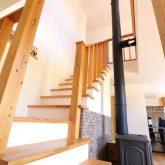 注文住宅 かっこいい工務店 鹿児島県 日置市 西郷建築 大工と創る家 施工例1 吹き抜け 木製階段