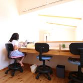 注文住宅 かっこいい工務店 鹿児島県 日置市 西郷建築 大工と創る家 施工例1 2階 子ども部屋 造作 勉強机