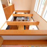 注文住宅 かっこいい工務店 鹿児島県 日置市 西郷建築 大工と創る家 施工例1 2階 子ども部屋 造作 勉強机 階下