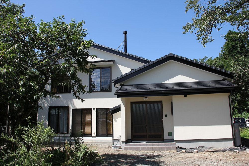 注文住宅 かっこいい工務店 宮城県 富樫工業 トガシホーム 施工例 55邸 和モダン 外観 塗り壁