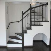 注文住宅 かっこいい工務店 宮城 富樫工業 トガシホーム 施工例61 プロヴァンス フレンチ 木製階段 ペットスペース