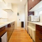 注文住宅 かっこいい工務店 岡山 アイム・コラボレーション アイムの家 施工例24 オフィスやアクアリウムまで。機能性が高く、回遊性のある家 キッチン