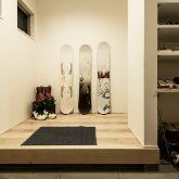注文住宅 かっこいい工務店 熊本県 ブレス ブレスホーム 施工例35 シンプルモダン 平屋 合志市 玄関ホール
