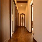 注文住宅 かっこいい工務店 熊本 ブレス ブレスホーム 施工例36 和風建築 平屋 モダン 廊下