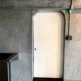 注文住宅 かっこいい工務店 東京 バークノア 新築・増改築・リフォーム・リノベーション 設計デザイン施工管理 施工例19 インダストリアル ワンルーム リノベーション 引戸