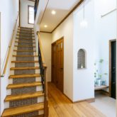 注文住宅 かっこいい工務店 福岡 不動産プラザ 施工例22 プロヴァンス 階段