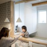 注文住宅 かっこいい工務店 熊本 ブレス ブレスホーム 施工例43 ナチュラル ユニバーサルデザイン キッチンカウンター